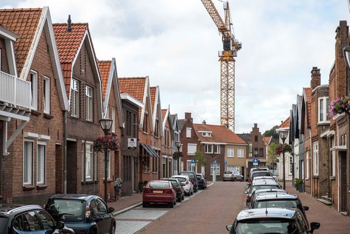 De eerste bouwkraan (voor de bouw van Residentie Gravenhof) staat er al een tijdje.