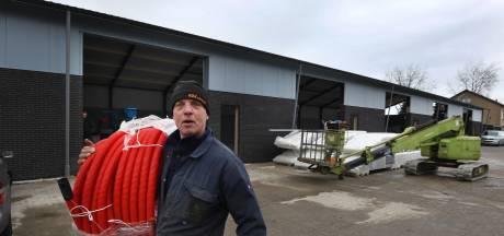 Loods in Beesd uit de as herrezen: 'Als de brand een week later was, had ik geen vergunning gekregen'