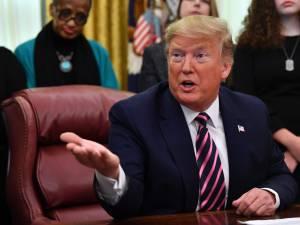 """Le procès en destitution de Trump a débuté: """"C'est une mascarade"""""""
