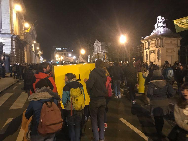 De protestvoerders verplaatsen hun actie.
