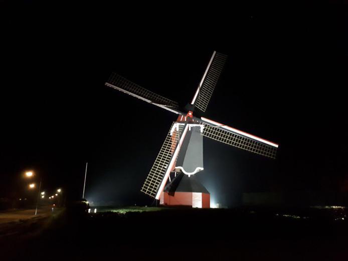 De molen van Moergestel in rouwstand voor Leo Vaes