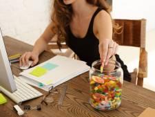 Snack jij meer nu je thuiswerkt? Vijf tips tegen overmatig snaaien