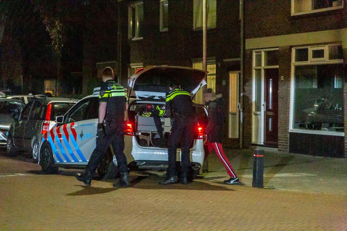 Eén van de vermoedelijke verdachten die zijn aangehouden door de politie, nadat er gipsblokken op het spoor bij Velp zijn geplaatst. Een trein ramde de gipsblokken, waardoor het treinverkeer tussen Arnhem en Dieren plat lag.