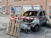 Auto in Tilburg in vlammen opgegaan
