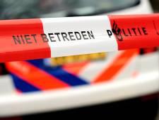 Auto rijdt winkel binnen op Windmolenweg in Dongen