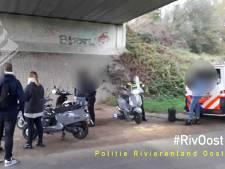19 bekeuringen bij verkeerscontrole scooters en brommers in Duiven