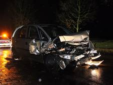 Automobilist raakt gewond bij botsing in Alphen