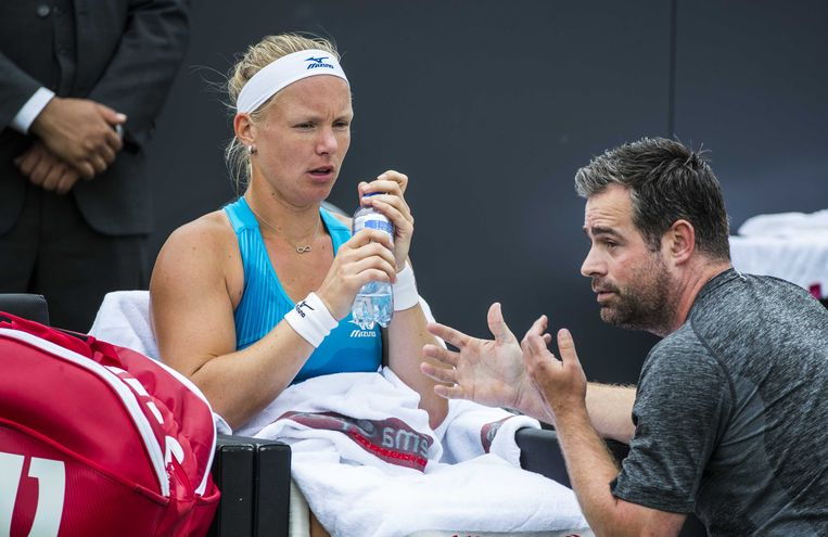 Kiki Bertens met haar coach Raemon Sluiter. Beeld ANP