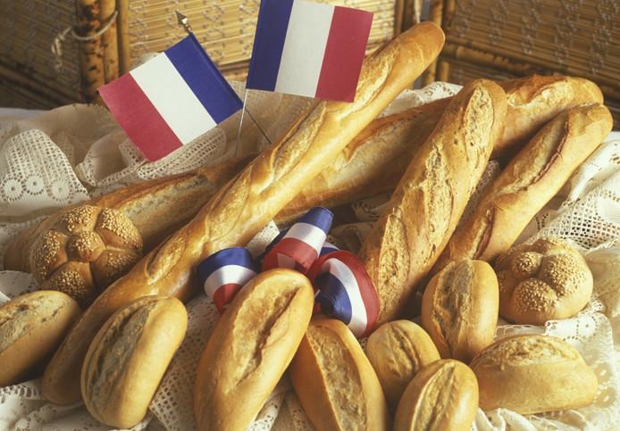 Frans brood bevat te veel zout en veel resten van bestrijdingsmiddelen, zegt de Franse consumentenbond.