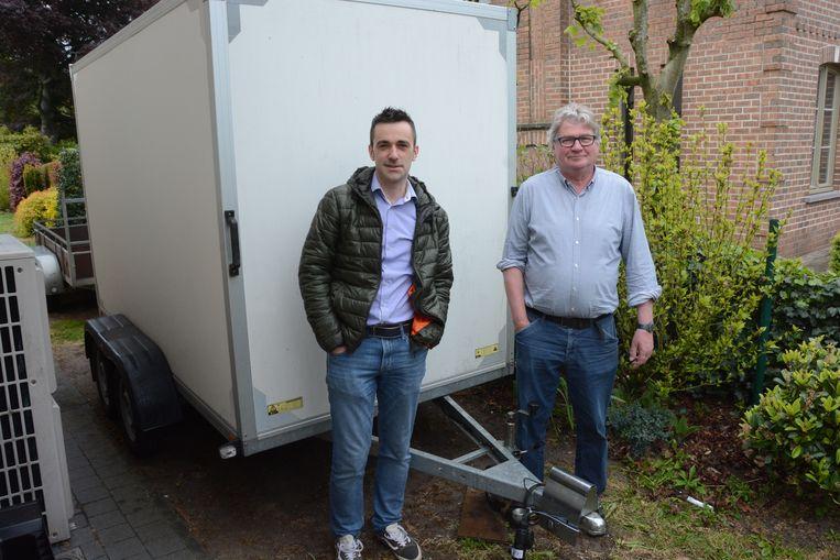 Johan Van Remoortel en Paul Bruynseels uit Klein-Sinaai kregen hun aanhangwagen al terug.