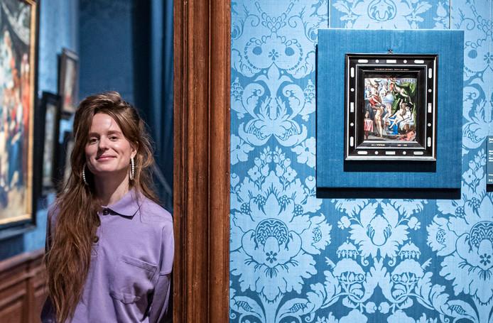 Zangeres Merol liet zich inspireren door een van de kleinste werken in het Mauritshuis.