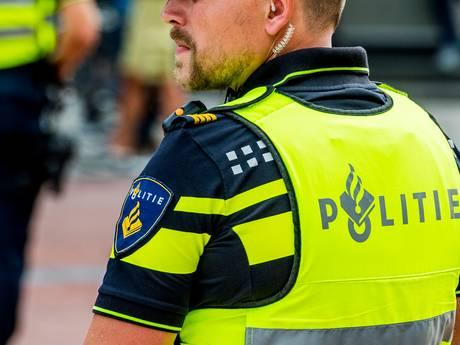 Agenten lopen nog steeds rond in stinkende shirts