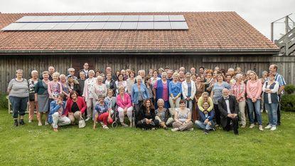 Vrijwilligers vzw De Schakel bezoeken Fedasil en Open Huis