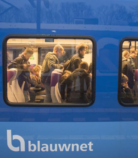 Piek in aantal klachten over overvolle treinen Enschede-Zwolle