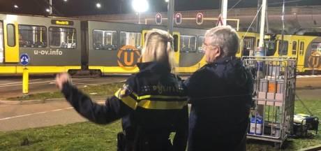 Burgemeester Van Zanen spreekt medeleven uit bij bezoek aan 24 Oktoberplein