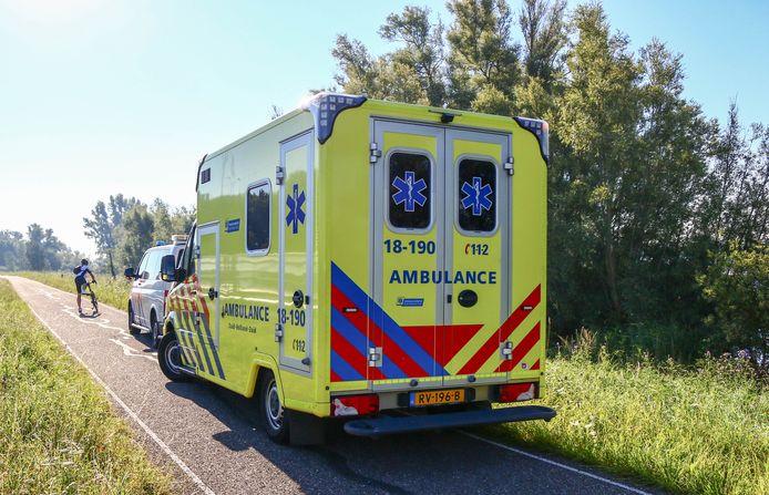 Onder meer een ambulance kwam ter plaatse.