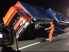 N50 tijdelijk dicht voor berging gekantelde vrachtwagen