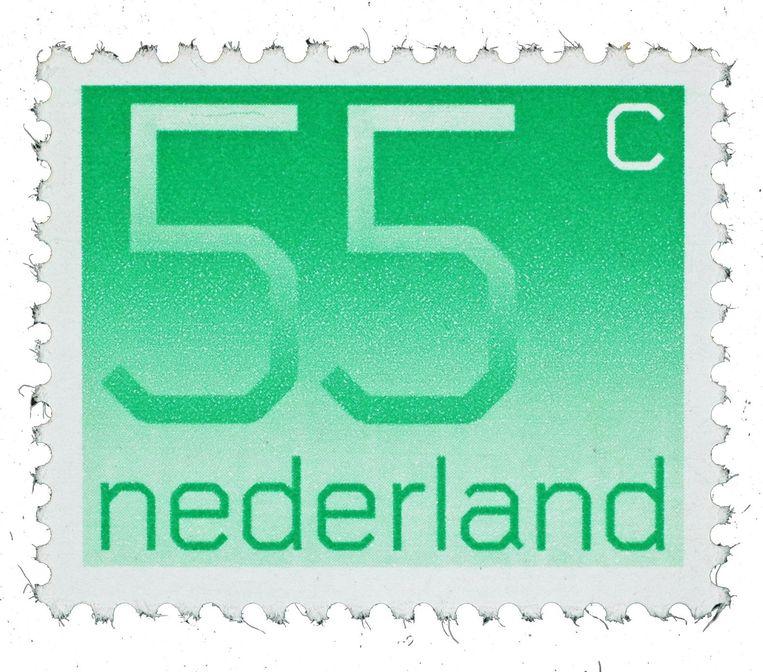 Nederlandse postzegels hebben een grote internationale reputatie. Vrijwel alle originele ontwerpen zitten in de collectie Postwaarden. Deze cijferzegel uit 1976 is gemaakt door grafisch ontwerper Wim Crouwel. Beeld