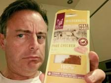 Burgemeester van Antwerpen verbaast met ludieke post: 'Ik heb per ongeluk kattenvoer gegeten'