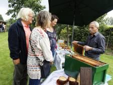 Het gonst van belangstelling in Gemonde tijdens Open Imkerijdag