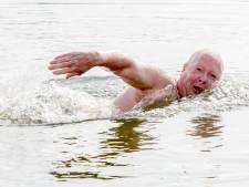 Marcel (65) zwemt half oktober nog bijna dagelijks in Het Hulsbeek