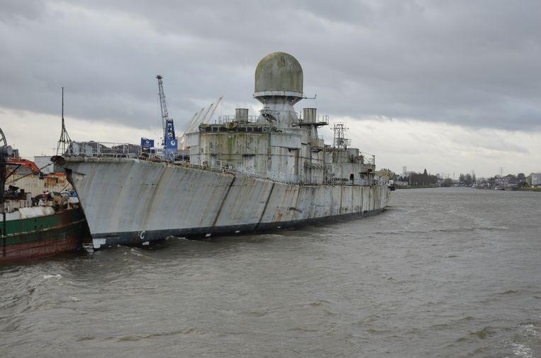 Scheepafbraakwerk Galloo herleidt onder andere vaartuigen van de Franse marine tot schroot.