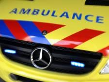 Bestuurder overleden nadat auto van de weg raakt
