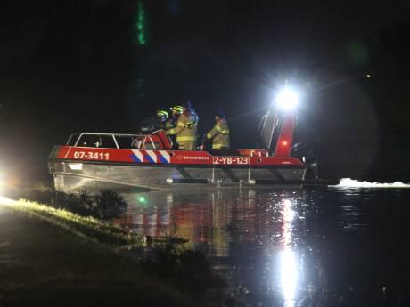 Zoekactie naar gekapseisde roeiboot gestaakt