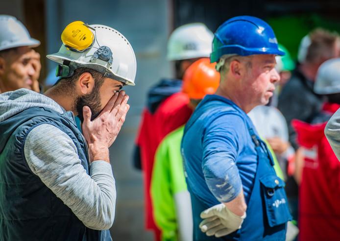Herdenkingsmoment van ongeval kraanmachinist aan de 1e Luluofsdwarsstraat Den Haag