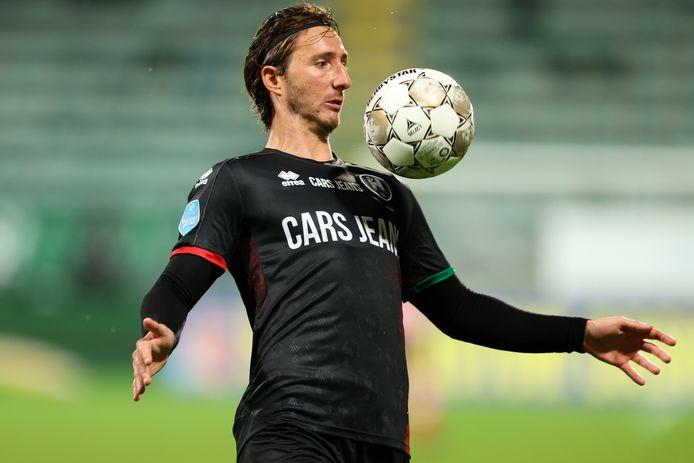 Dario Del Fabro maakte eerder deze week zijn debuut voor ADO Den Haag tegen Sparta. Door de blessure van Peet Bijen kan de Italiaanse verdediger nu ook in de eredivisie aan de bak.
