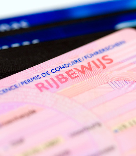 Gouwenaar met ongeldig rijbewijs staande gehouden in Leimuiden