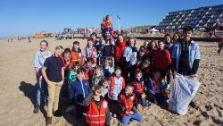 Onze stranden zijn weer een flink stuk schoner: 7.500 vrijwilligers rapen 11,5 ton afval tijdens Eneco Clean Beach Cup
