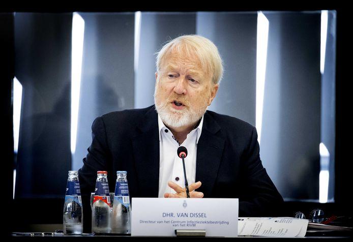 Jaap van Dissel van het RIVM tijdens een briefing aan de Tweede Kamer.