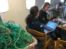 Maritieme sector breekt hoofd over visserij en afval tijdens VisHack op Urk
