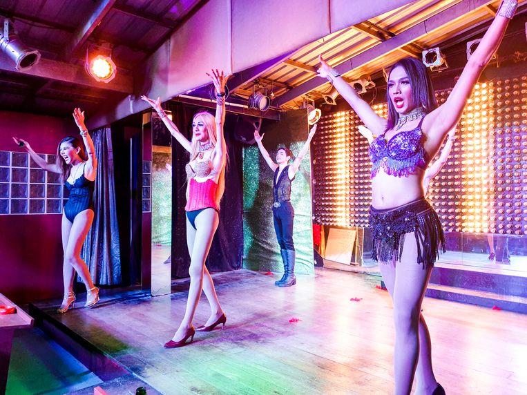 Optreden in Starz Cabaret op Koh Samui. Beeld null