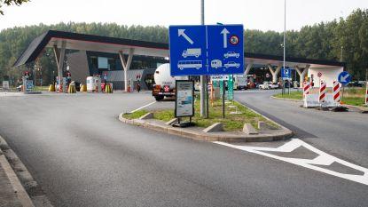 KAART. Deze snelwegparkings zijn al gesloten na incidenten transmigranten