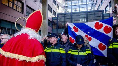 Friezen die Zwarte Piet-tegenstanders blokkeerden op snelweg zijn allemaal veroordeeld, 'Sint' mag zitting niet bijwonen