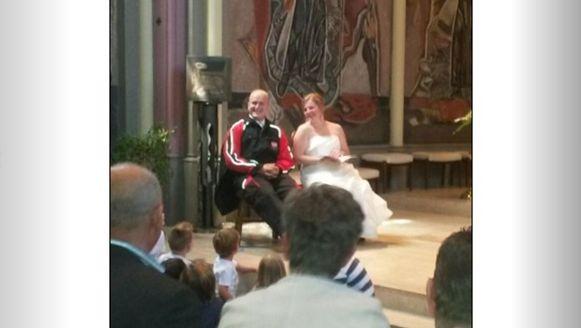 """Mark van Heesch zei hij """"ja"""" tegen zijn Laura, in overall."""