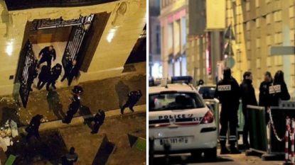 Enkele miljoenen euro buit: vijf overvallers met bijlen slaan vitrines juwelier in Ritz-hotel Parijs stuk