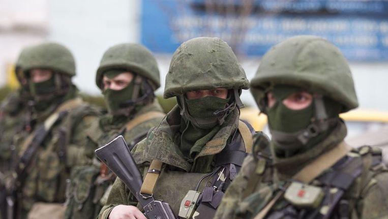 Soldaten bij de Oekraïense grens nabij Balaclava. Beeld reuters