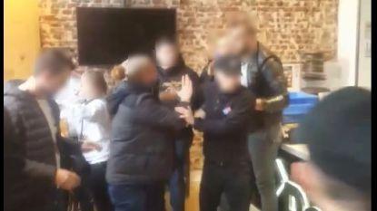 VIDEO. Man krijgt zware kopstoot in pizzeria op stationsplein in Aalst