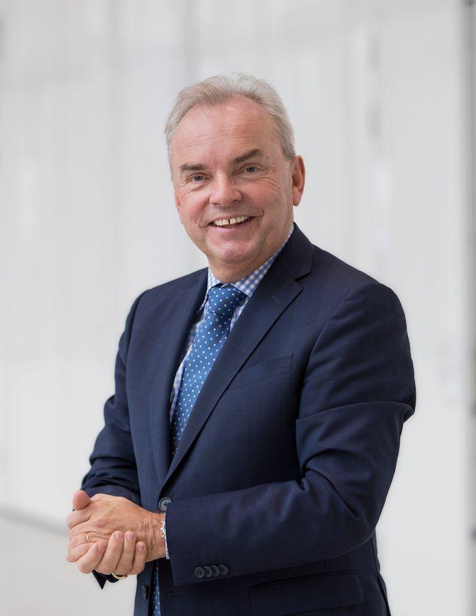RAI Vereniging voorzitter en voormalig staatssecretaris van Financiën Steven van Eijck is  onderscheiden met de koninklijke titel Officier in de Orde van Oranje-Nassau.