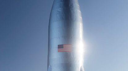 Nieuwe stap voor SpaceX: Elon Musk toont foto van prototype van ruimteschip dat in 2024 mensen naar Mars moet brengen