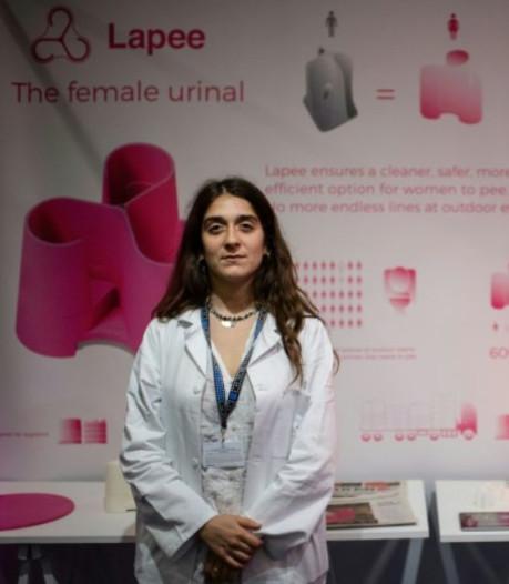 Cette jeune femme a inventé le premier urinoir mobile féminin