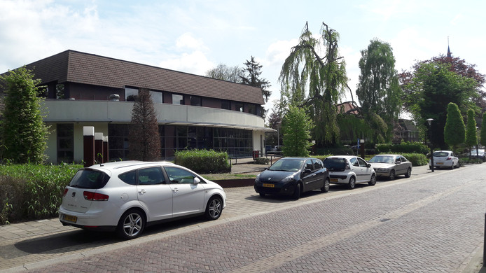 De voormalige Rabobank aan de Raadhuisstraat.