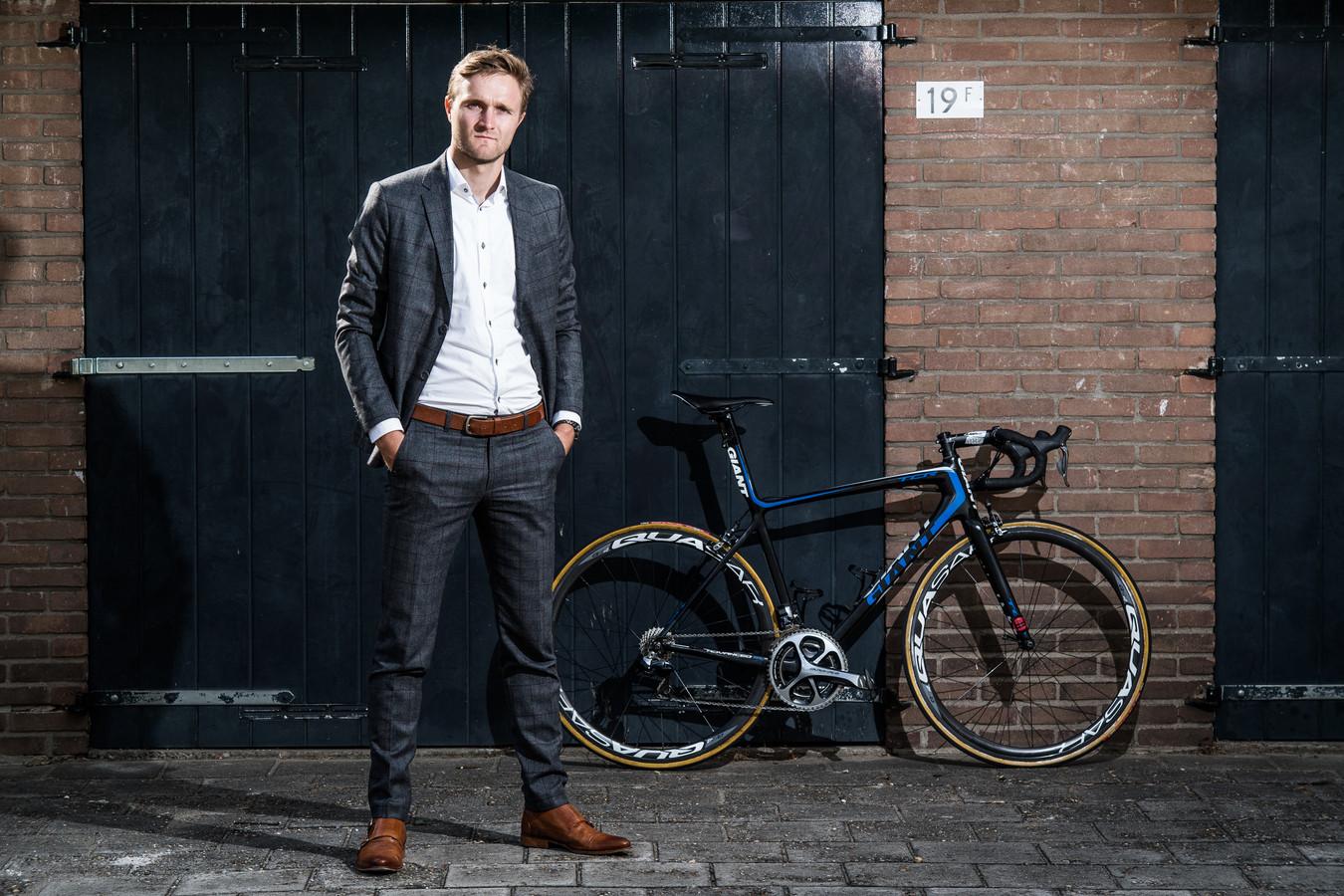 Robin Wennekes kiest voor zijn werk en  bouwt af als wielrenner.