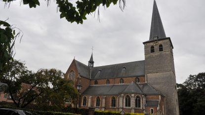 Zandhovense kerkklokken herdenken V-dag op 8 mei