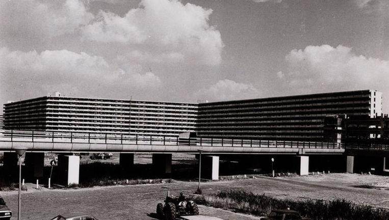 Kleiburg in de glorieuze jaren zeventig. Nu saat de flat op de nominatie om gesloopt te worden. Foto Stadsarchief Beeld