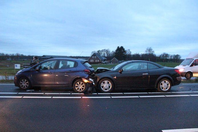 Drie auto's waren bij het ongeluk betrokken.
