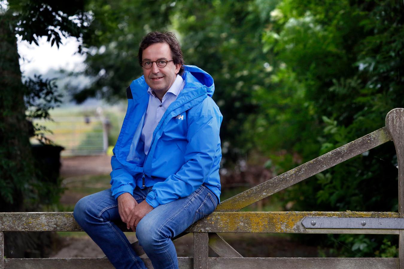 Ic Man Diederik Gommers Stamgast Bij Talkshows En Rutte Thuis Tussen De Koeien In Wijngaarden Foto Pzc Nl